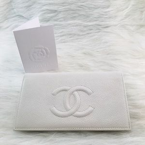 CHANEL Caviar Wallet White
